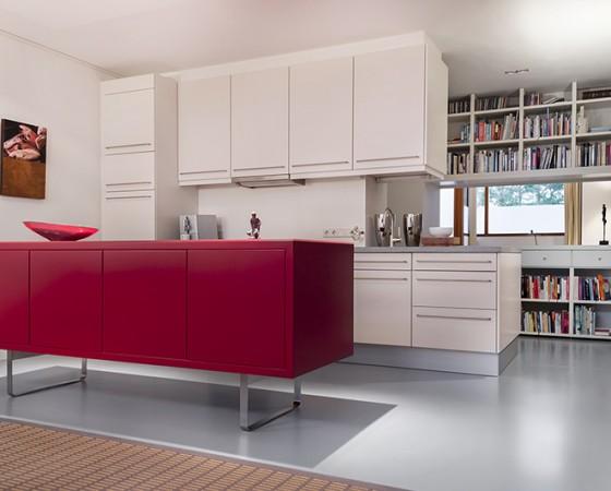 Keuken en boekenkast